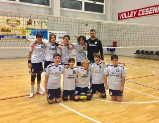 🏁 U17 M RIV  Inizia l'avventura anche per i ragazzi dell'U17 allenati da Tommaso Perrone che vincono la prima al Pala Peep per 3 a 0 contro Ravenna 🔥 (25-12, 25-8, 25-13)